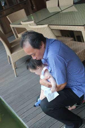 Baby C and grandpa ^^