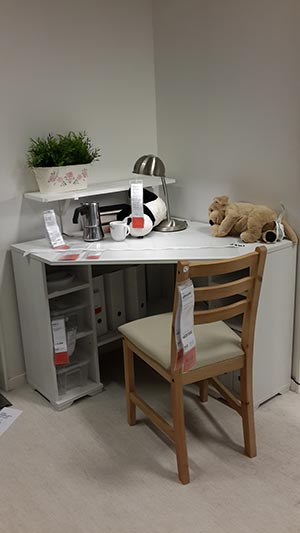 Cute study desk for CG