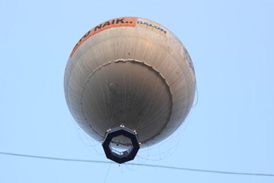 Balon Raksasa