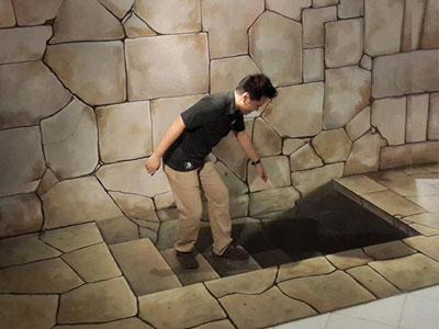 Trick art museum : stairs